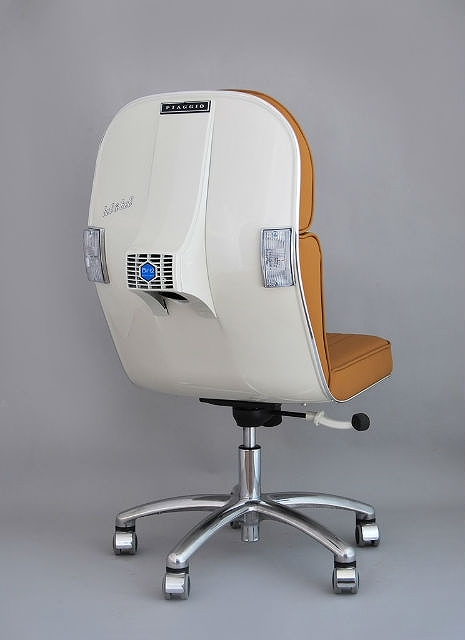 s_vespa_office_chairs_01