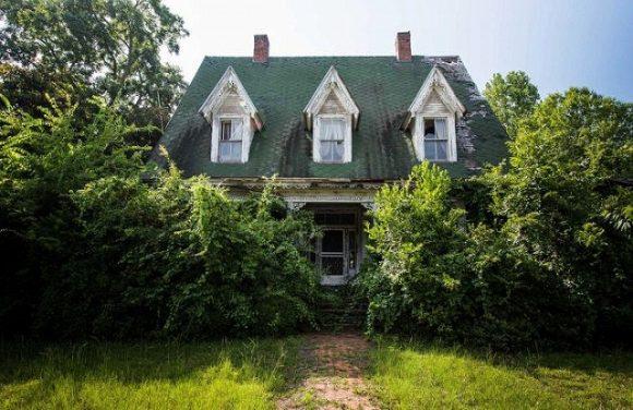 s_creepy_home_01