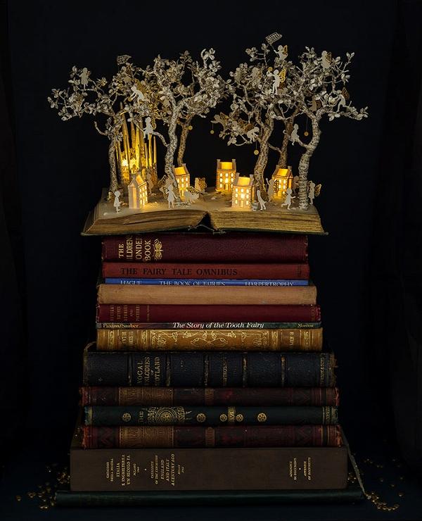 s_illuminated_book_01