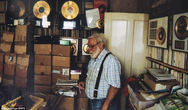 s_record_collector_keith_sivyer_02