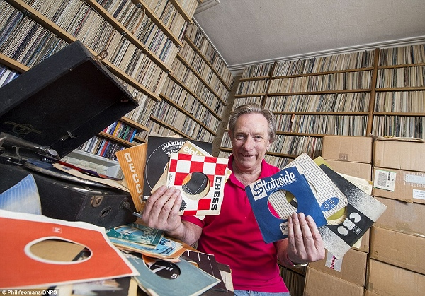 s_record_collector_keith_sivyer_03