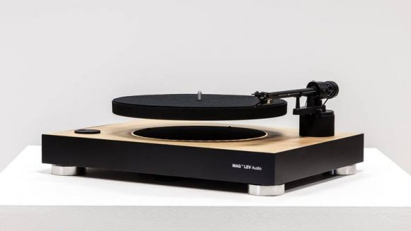 mag_lev_evitating_turntable_01