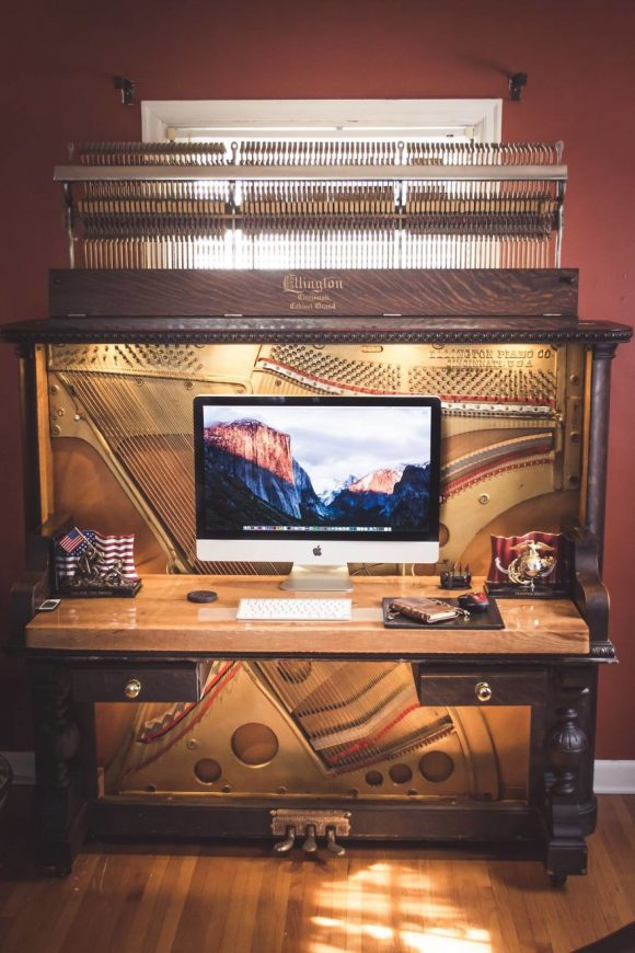old_piano_turned_into_desk_07