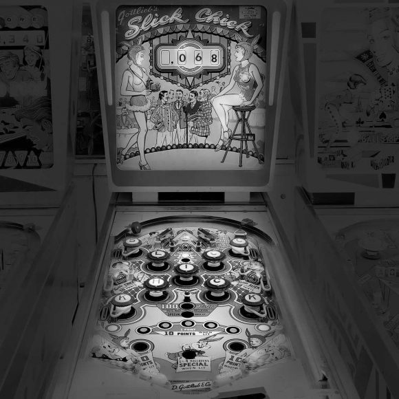 vintage_pinball_machines_01