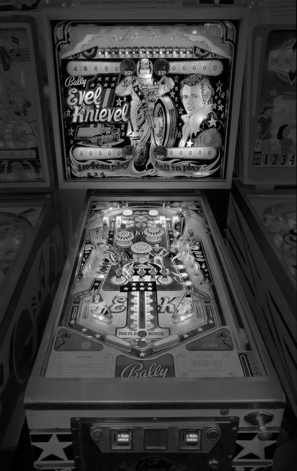 vintage_pinball_machines_03
